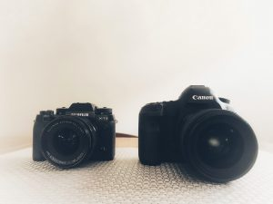 Fuji XT-2 vs Canon 5dmiii Head On